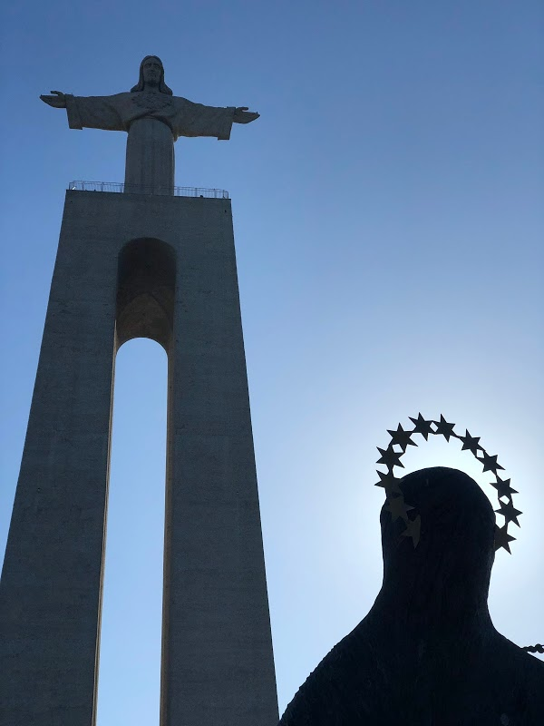 Cristo Rei and Mary